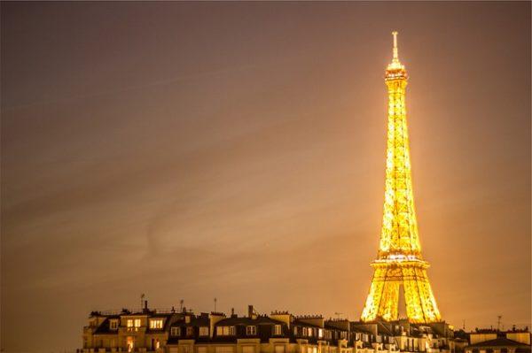 eiffel-tower-2625116_640