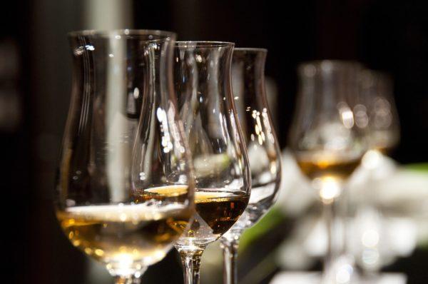 wine-glasses-1246240